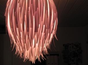 Lampe ud af papirsstrimler