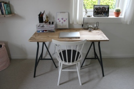 Hjemmelavet skrivebord ud af en palle